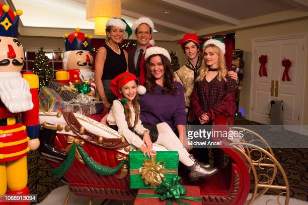 HOUSEWIFE Saving Christmas Katie strives to keep her longseparated parents apart when her father Marty arrives in time to surprise the Otto family...