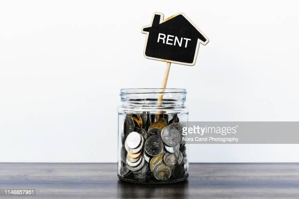 saving for rent - 借家 ストックフォトと画像