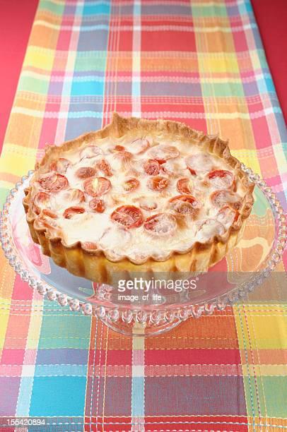 Köstliche Kuchen mit Tomaten und bechamel