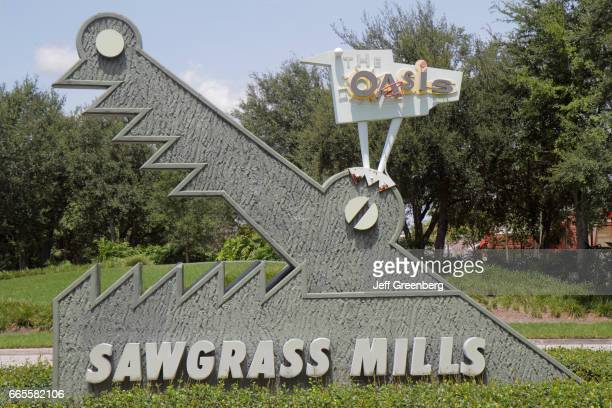 Sawgrass Mills Mall entrance sign