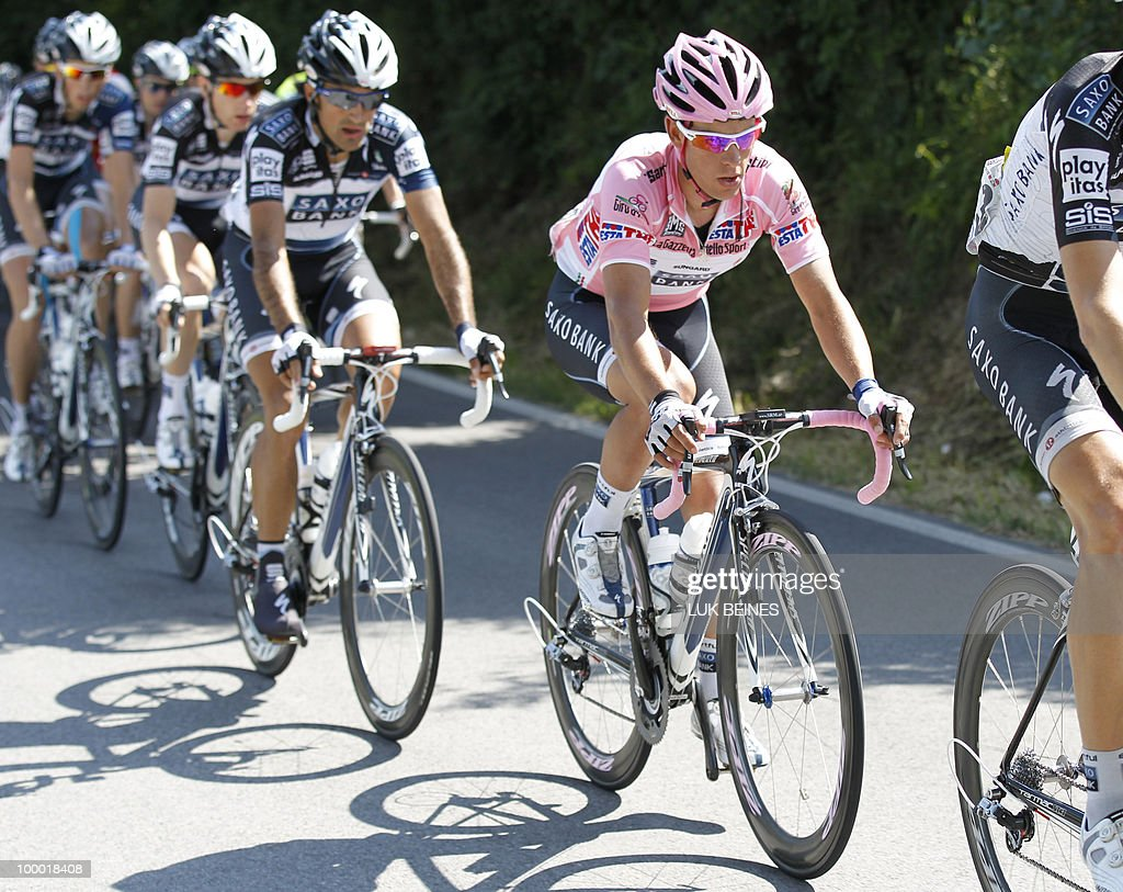 Saxo Bank's Australian Richie Porte (C) during stage 12 of the 93rd Giro of Italia, on May 20, 2010 in Porto Recanti. AFP PHOTO/Luk Beines