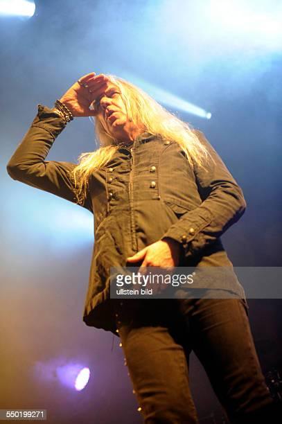 Saxon die 1976 igegruendete britische HeavyMetalBand mit Saenger Peter Biff Byfordbei einem Konzert auf der Hafenrockbuehne beim 824 Hafengeburtstag...