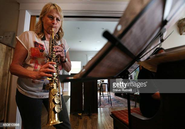 TORONTO ON JUNE 14 Saxophone player Jane Bunnett and her allgirl Cuban band rehearse for their upcoming tour and appearance at the TD Jazz festival...
