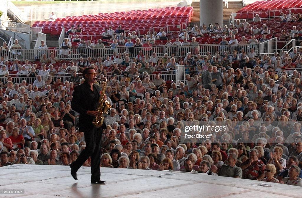 Saxophonist 34 U0027German Heritage Festivalu0027 Garden StateArt Center New Jersey  Bei New York Amerika