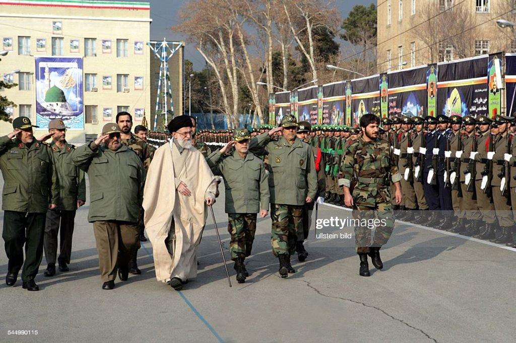 Sayyid Ali Khamenei - Politici...