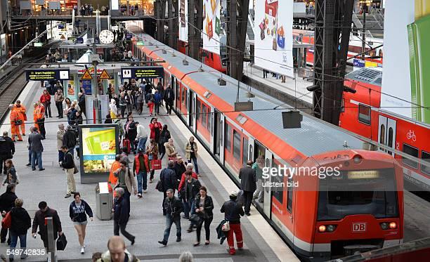 SBahn Hauptbahnhof Hamburg Deutschland