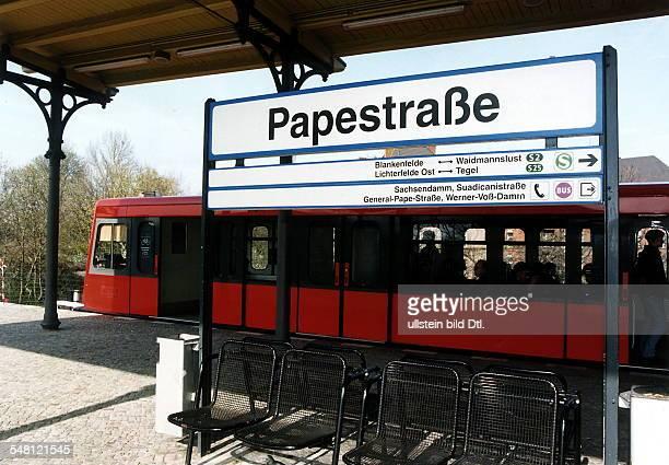 SBahn Station Papestrasse mit Halteschild 051997