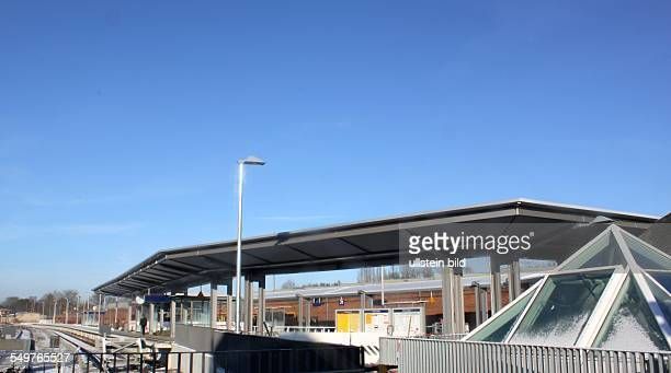 SBahnsteig Bahnhof Erkner ist komplett saniert das Empfangsgebaeude und der SBahnBereich wurden erneuert