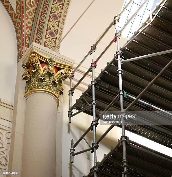 Des échafaudages seront installés à l'angle de Church orné de détails