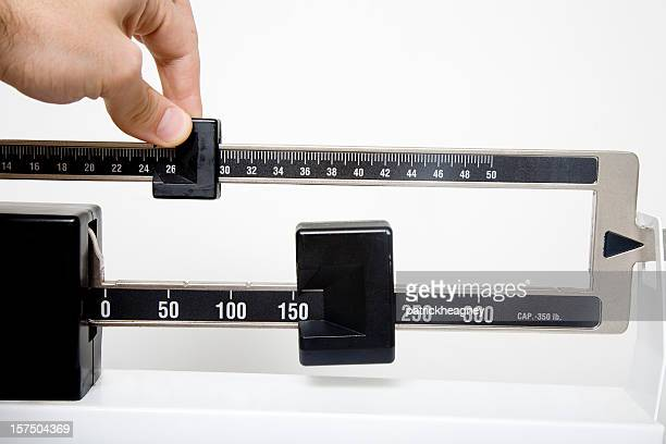 Scale to measure lengths with an adjustable slider