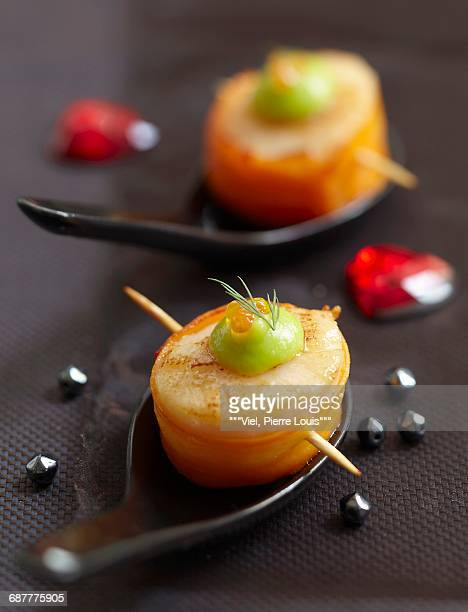 scallop and carrot makis - wasabi paste stock pictures, royalty-free photos & images
