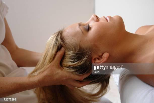 頭皮マッサージ-クラニオセイクラル(頭蓋整骨療法)