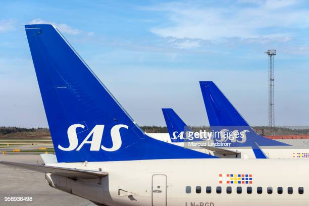 scandinavian airlines airplanes - scandinavia stock pictures, royalty-free photos & images