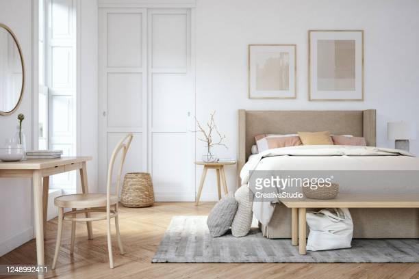 scandinavisch slaapkamerinterieur - stockfoto - slaapkamer stockfoto's en -beelden