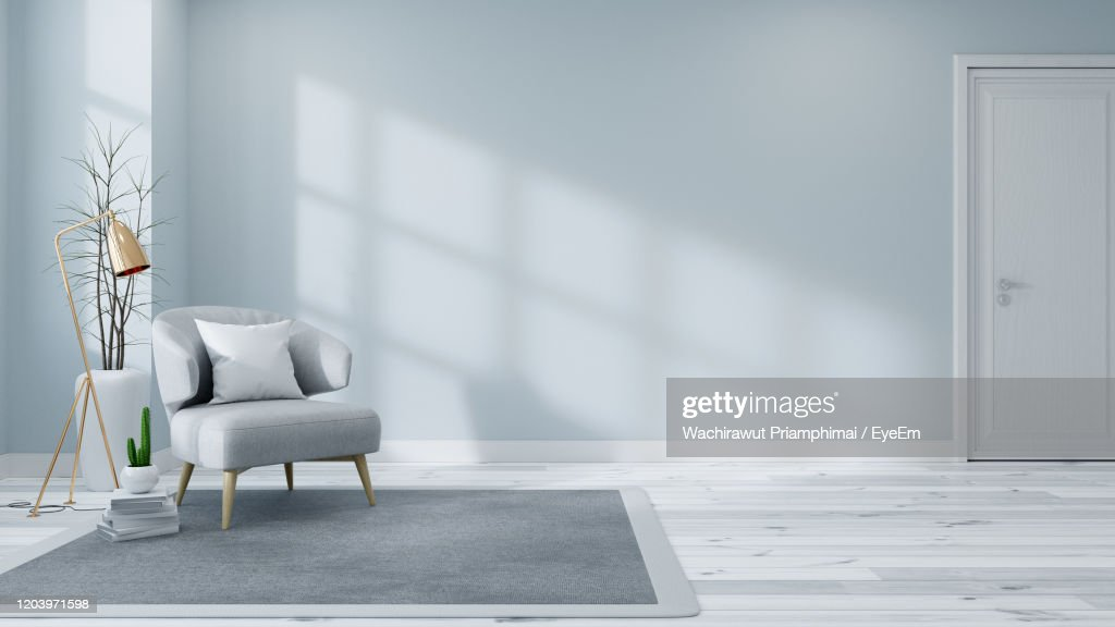 Scandinavian Interior Of Living Room Concept, Light Gray Sofa With Gold Lamp On White Flooring : Foto de stock