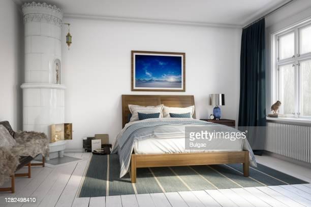 chambre principale scandinave - grand lit photos et images de collection