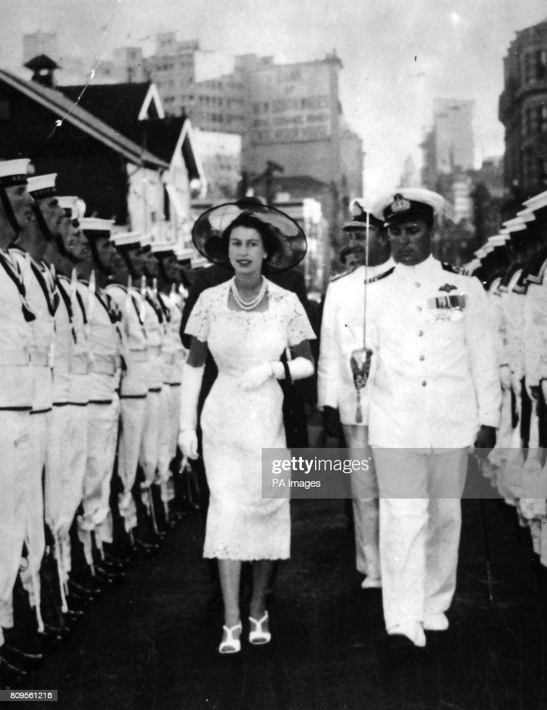 Royalty - Queen Elizabeth II Commonwealth Tour - Australia : News Photo