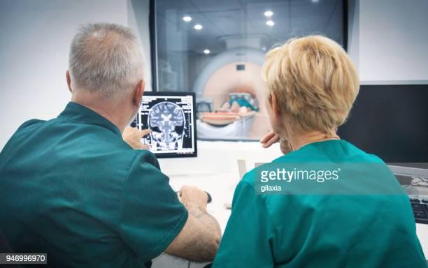 MRI のスキャン手順。