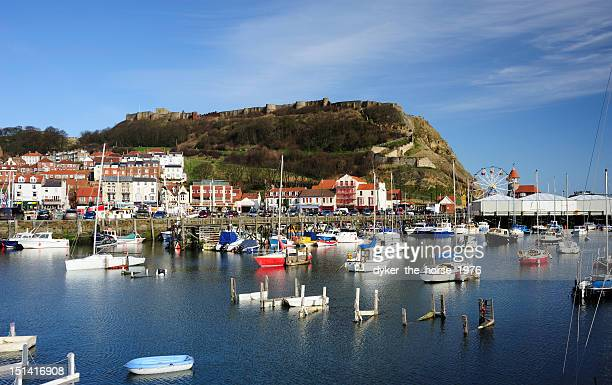 scarborough harbour - scarborough uk stock pictures, royalty-free photos & images