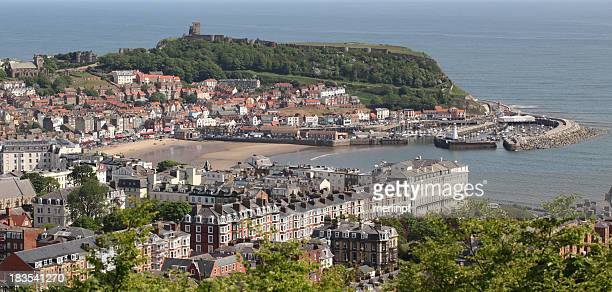 scarborough town and castle - scarborough uk stock pictures, royalty-free photos & images