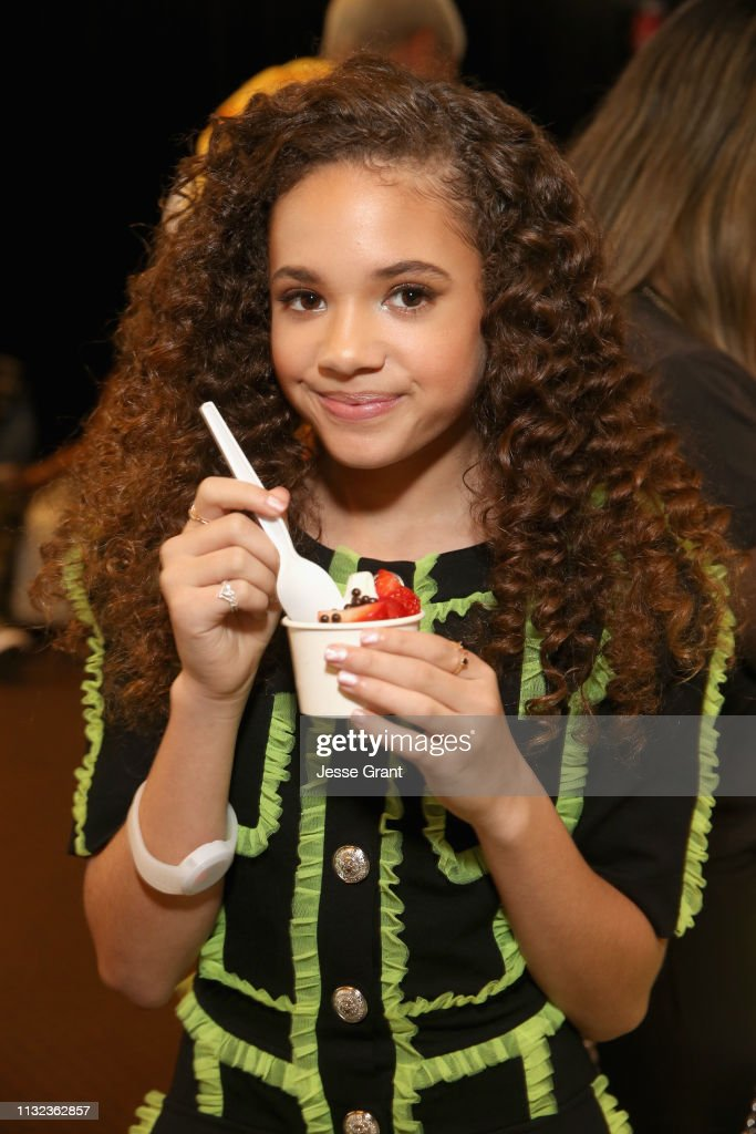 CA: Pinkberry Backstage at Nickelodeon's 2019 Kids' Choice