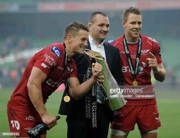 Scarlets celebrate becoming the champions of the Guinness Pro 12 during the Guinness PRO12 Final match between Munster and Scarlets at the Aviva...