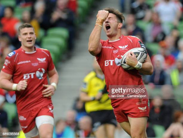 Scarlets' DTH Van Der Merwe celebrates scoring his sides fifth try during the Guinness PRO12 Final match between Munster and Scarlets at the Aviva...