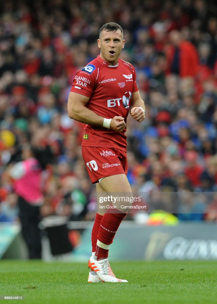 Scarlets' Gareth Davies in action during the Guinness PRO12 Final match between Munster and Scarlets at the Aviva Stadium on May 27, 2017 in Dublin, Ireland.