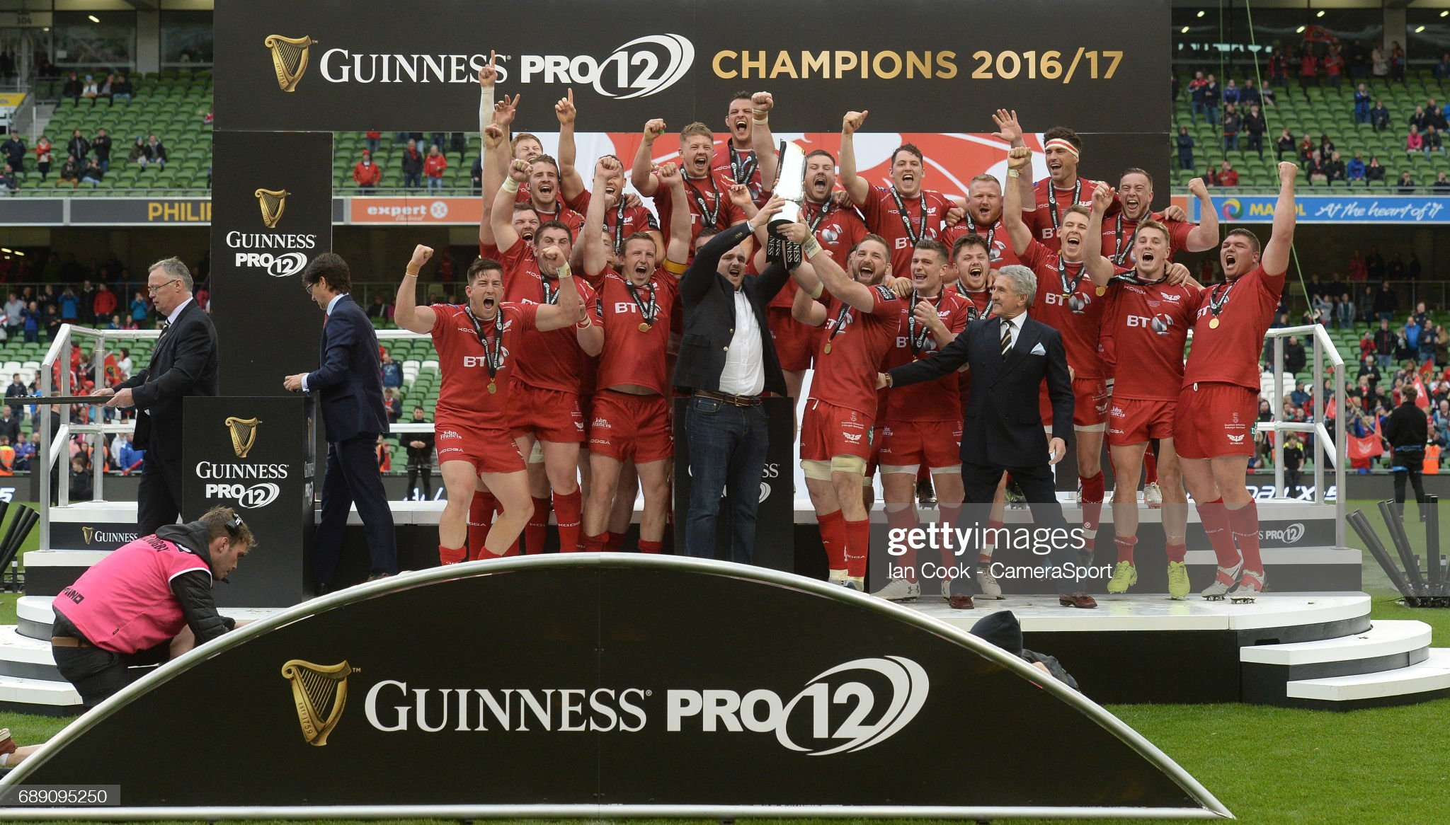 Scarlets Must Take Inspiration From Champion Class Of 2017. . . While Massive No 8 Tipped As Superstar Of The Future