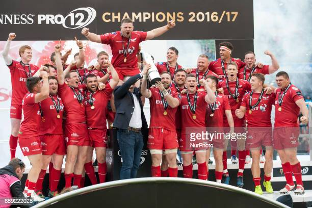 Scarlets players celebrate after winning during the Guinness PRO12 Final between Munster Rugby and Scarlets at Aviva Stadium in Dublin Ireland on May...