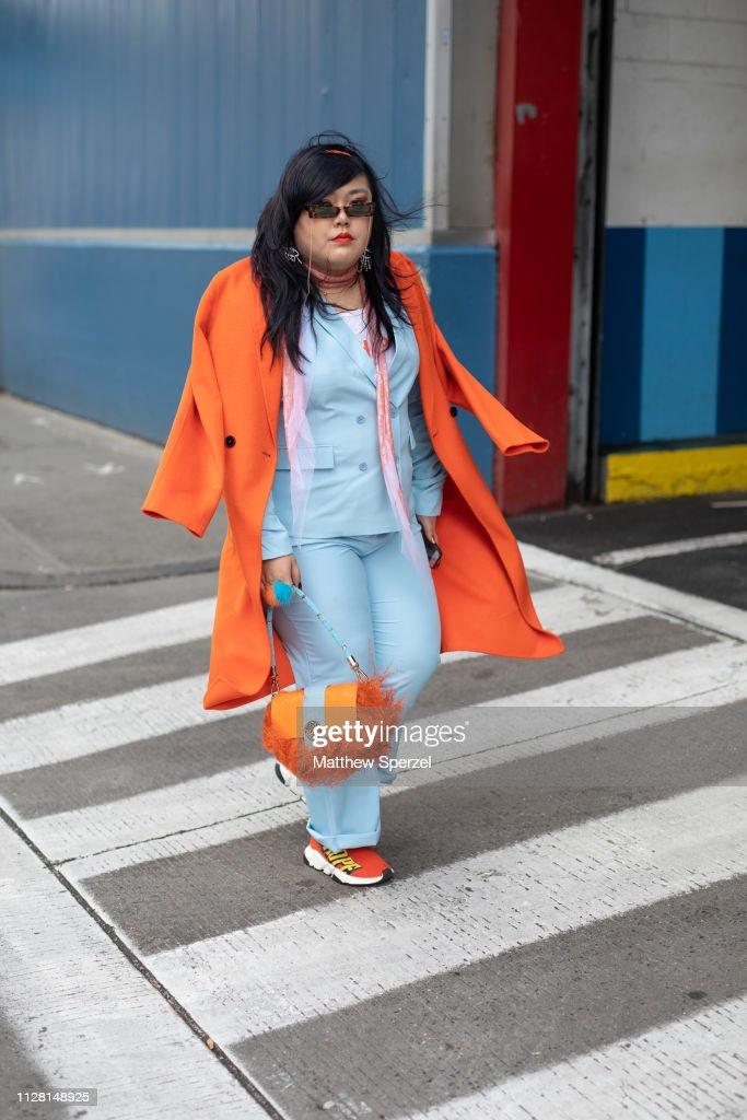 Street Style - New York Fashion Week February 2019 - Day 1 : News Photo