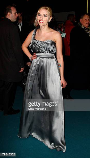 """Scarlett Johansson arrives at the Royal Premiere of """"The Other Boleyn Girl"""" at the Odeon Leicester Square on February 19, 2008 in London, England."""