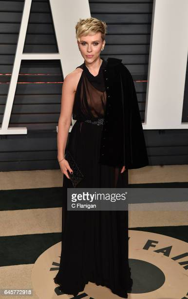 Scarlett Johansson attends the 2017 Vanity Fair Oscar Party Hosted by Graydon Carter at the Wallis Annenberg Center for the Performing Arts on...
