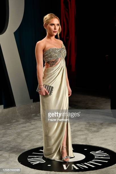 Scarlett Johansson attends the 2020 Vanity Fair Oscar Party hosted by Radhika Jones at Wallis Annenberg Center for the Performing Arts on February...