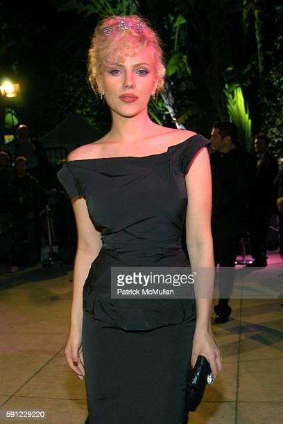 Scarlett Johansson attends Vanity Fair Oscar Party at Morton's Restaurant on February 27 2005 in Los Angeles California