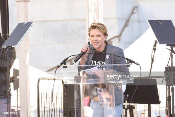 Scarlett Johansson attends Women's March Los Angeles 2018 on January 20 2018 in Los Angeles California