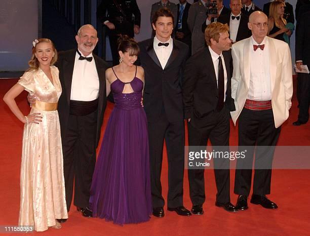 Scarlett Johansson director Brian De Palma Mia Kirshner Josh Hartnett Aaron Eckhart and author James Ellroy
