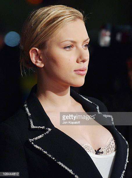 Scarlett Johansson during 'In Good Company' World Premiere Arrivals at Grauman's Chinese Theater in Hollywood California United States