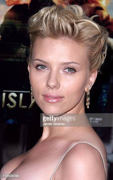 Scarlett Johansson during 'The Island' New York City Premiere Outside Arrivals at Ziegfeld Theater in New York City New York United States