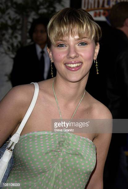 Scarlett Johansson during The World Premiere of 'Bruce Almighty' at Universal Amphitheatre in Universal City California United States