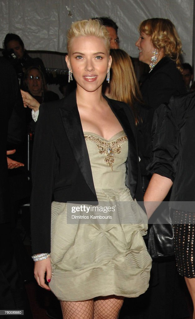 """""""Poiret: King of Fashion"""" Costume Institute Gala at The Metropolitan Museum of Art - Arrivals : News Photo"""