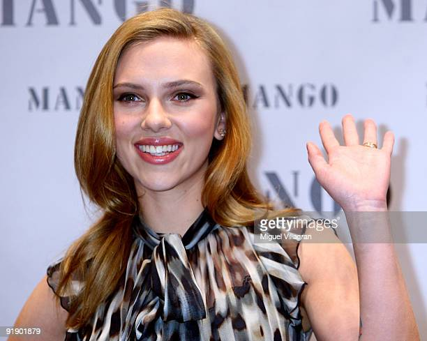 Scarlett Johansson poses for the media presenting he new MANGO Winter 2009/10 campaign on October 15, 2009 in Munich, Germany.