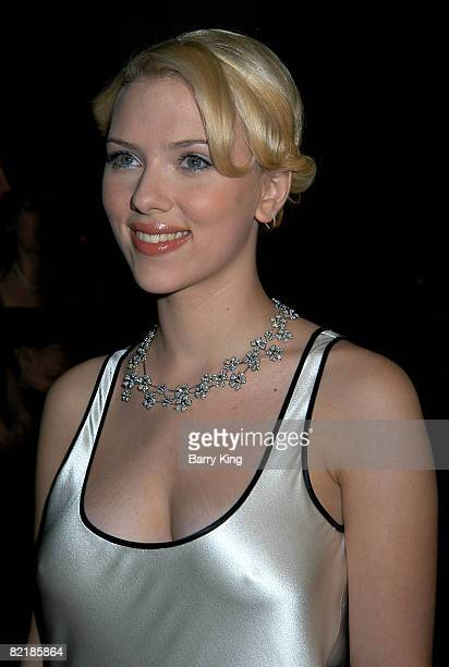 Scarlett Johansson wearing a DeBeers Wild Flowers Collection necklace