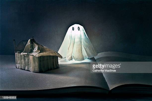 scary bedtime stories - catherine macbride stock pictures, royalty-free photos & images