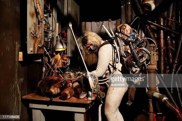 Haunted House-Kostüm, Person, die den menschlichen Körper und Teile von