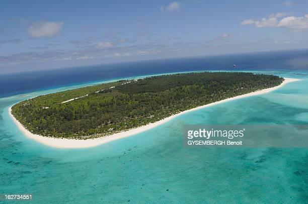 The Archipelago Of Glorious Les cinq îles Eparses appartiennent à la France et constituent le 5e district des Taaf Ce sont des ilots stratégiques...