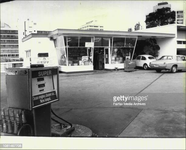 Scene at the Ampol Service Station Pacific Hwy Chatswood where a man was stabbed in the shoulder in a hold up August 13 1977