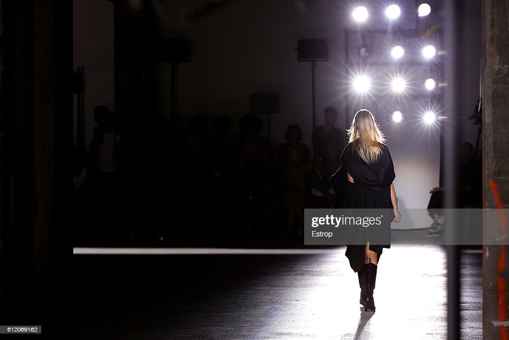 Rick Owens : Details - Paris Fashion Week Womenswear Spring/Summer 2017 : News Photo