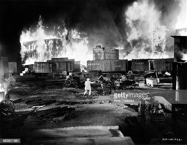 Scene from 'Gone With The Wind', 1939. Still showing part of the burning of Atlanta sequence. MGM film based on the novel of the American Civil War...