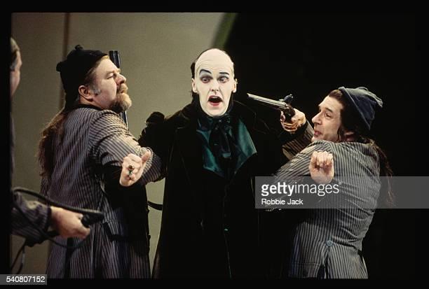 scene from the magic flute - robbie jack stockfoto's en -beelden